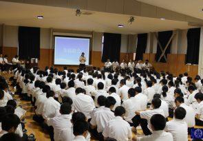 生徒総会と中学2年生総合学習